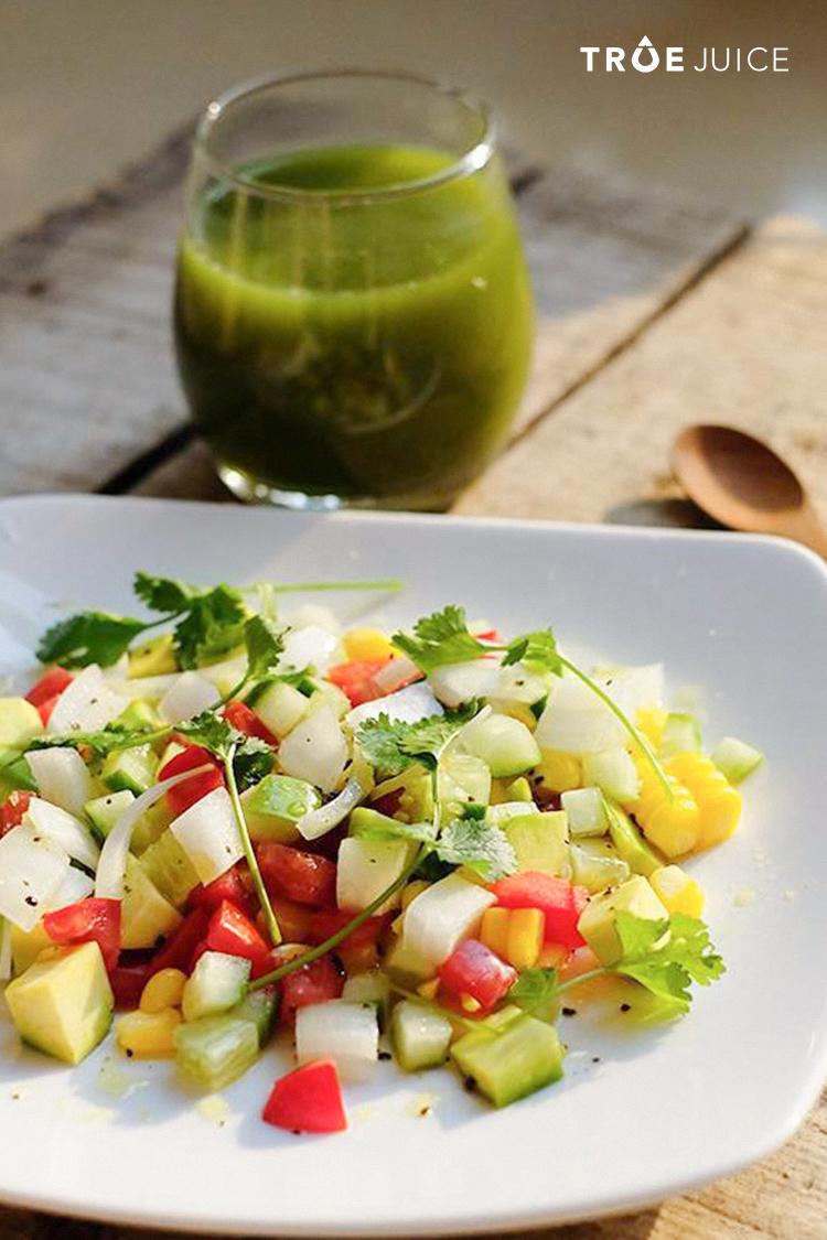 green-juice-or-salad